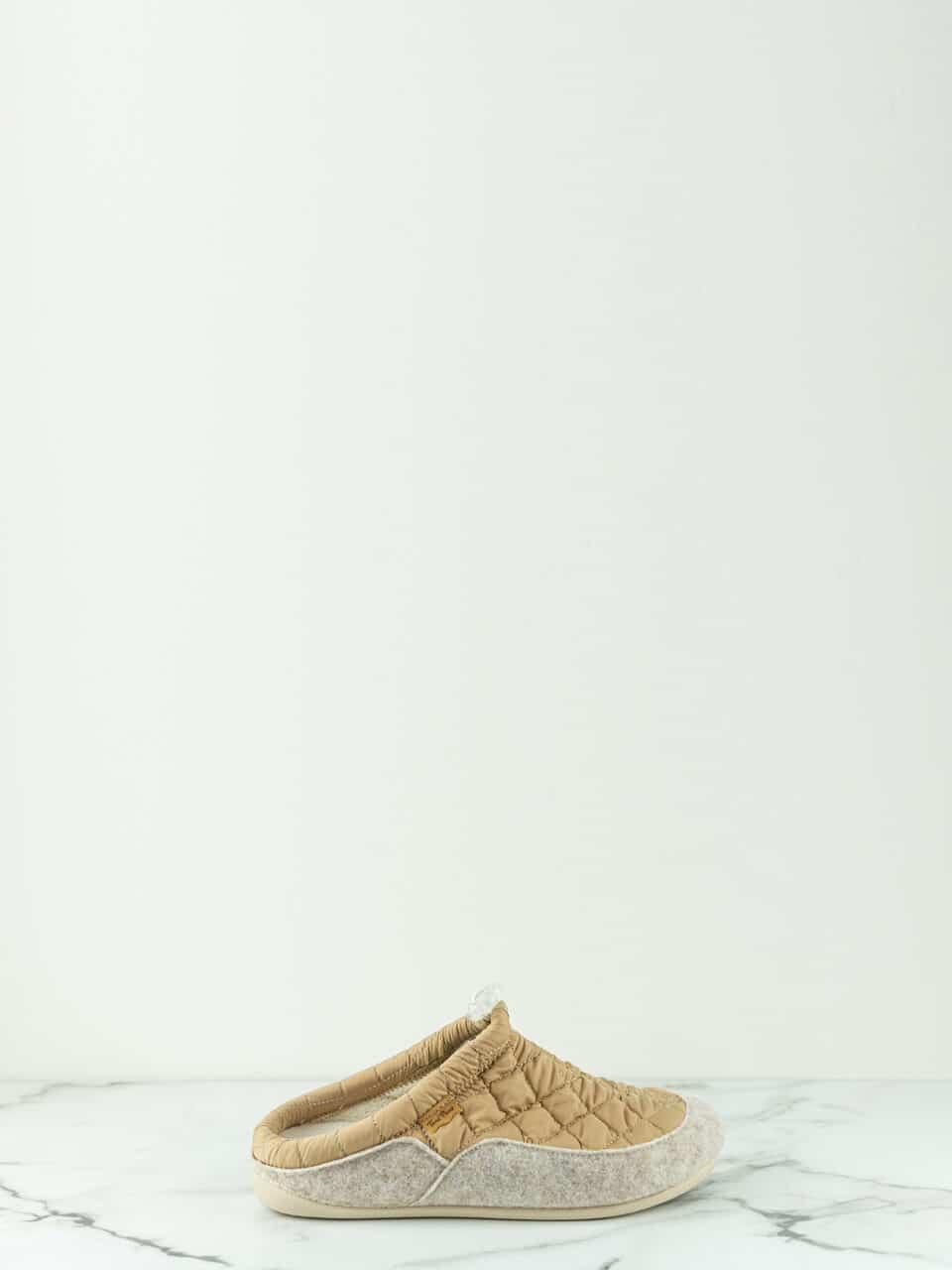 MEL-UM BEIGE Marcas en Loyna Shoes