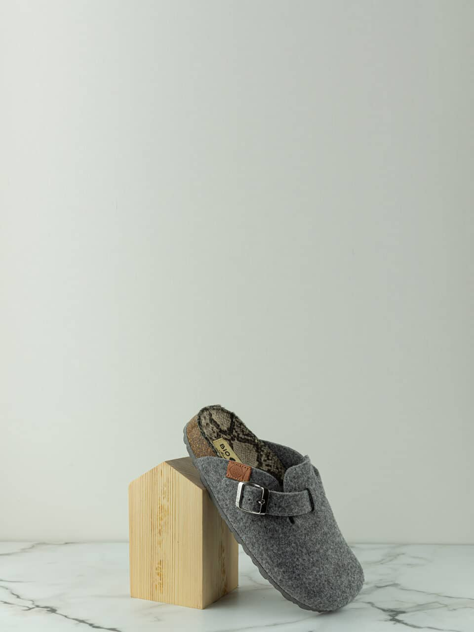 ENDA GRIS Bio Bio Footwear en Loyna Shoes